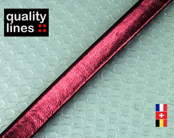 X 18 cm, flat leather 8mm Burgundy metallic, 18 cm is big enough for a bracelet up to size XL