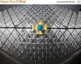 ON SALE Vintage Gold Tone Smaller Blue Plastic Maltese Pin 80417