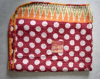 REVERSIBLE kantha baby quilt, soft and lightweight baby blanket, baby shower gift