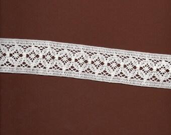 3 m 20 ecru cotton in-between 4cm wide