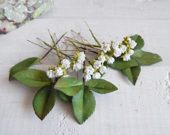 Bridal floral hairpins White gypsophila Green leaves hair pins Small flowers Bridesmaid headpiece Rustic floral hair piece Wedding hairpiece