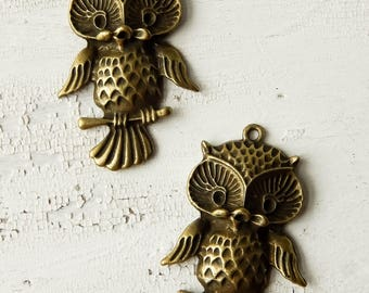 Antique bronze singing owl charms / destash lot / owl pendant / jewelry components / destash charms / jewelry supply / nature inspired