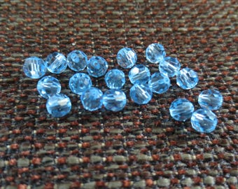 Set of 18 5000 round Swarovski pearls - 4 mm light blue