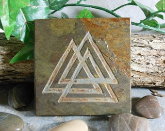VALKNUT Art Tile - Odin's Knot Altar Tile - Hand Carved Slate Coaster Art, Etched Stone Art Coaster, Norse Art, Pagan Art, Pagan Decor, Gift