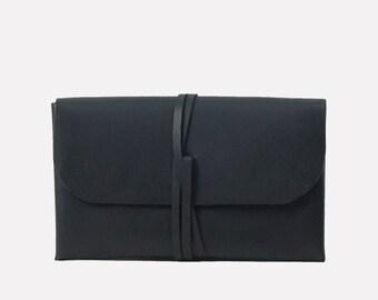 Simple Wrap Clutch - Black