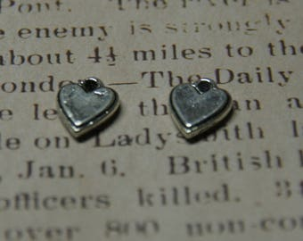 4 charms silver embossed heart 14 x 11, 5mm