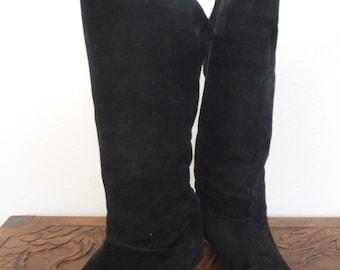 Vintage 1970s Zodiac Black Suede Boots