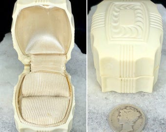 Antique Art Deco Cream Celluloid Ring Box Jewelry Presentation US c. 1940s Wedding Engagement