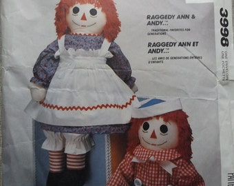 Stuffed Raggedy Ann and Andy Dolls All 19 Pieces with Transfers Vintage 1980s McCall's Sewing Pattern 3998