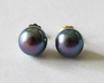Solid Gold Tahitian Black Genuine Pearl stud earrings, 8-9 mm peacock purple pearl studs, 14K Gold pearl earring, Bridal, Birthday gifts