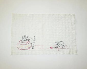 Vintage 1950s Cat Tea Towel / 50s Embroidered Kitty Cat Tea Towel / 50s Cat Tea Towel With Fish Bowl And Ball Of Yarn