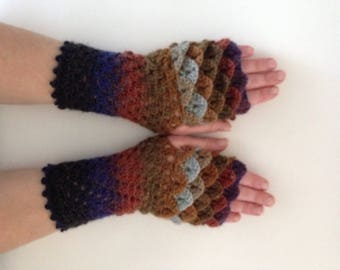 Dragon scale gloves, fingerless gloves, free shipping,  wristwarmers, armwarmers, dragon gloves, dragon armwarmers, long dragon gloves