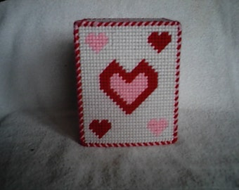 Pattern Plastic Canvas Valentine's Day Tissue Box Cover PDF