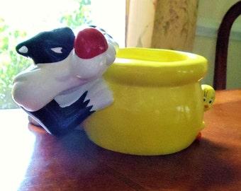 Vintage Looney Tunes Planter/Trinket Bowl/Candy Dish, Warner Brothers Sylvester Cat & Tweety Bird Glazed Ceramic Cute Fun Colorful Planter