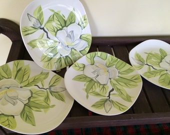 Four Red Wing Pottery Magnolia 10.5 inch Dinner Plates 1940s