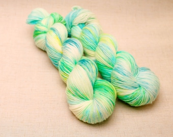 hand dyed yarn 'Early Bulbs' Sock