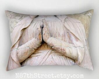 """PRIER sans cesse 12 x 17"""" taie d'oreiller. Photo d'Art, TMCdesigns. Cinnamin. Statue de l'architecture. Foi. Marie. Religieux. Mission historique"""