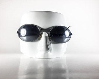 OXYDO Vintage Sunglasses Unisex Gray Plastic Wrap 2000 OXYS165P-1