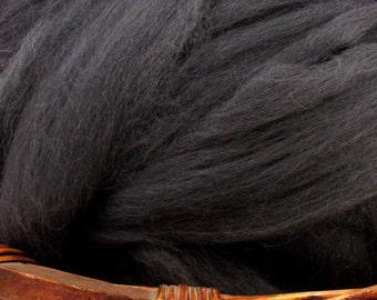 Dyed Corriedale Natural Spinning Fiber Wool Top Roving / 1oz - Deep Navy
