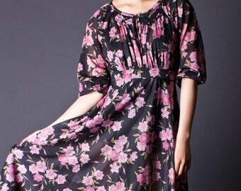 SALE 50% OFF 70s Vintage Floral Print Day Dress in Pink & Black