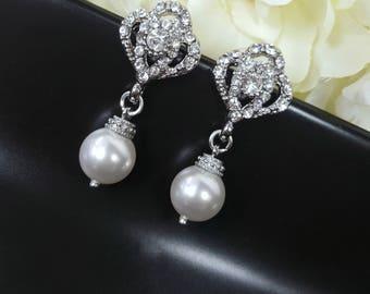 Pearl Earring Wedding, Pearl Bridesmaid Earrings, Maid of Honor Earrings, Wedding Bijoux, Mother of the Bride gift, Swarovski Pearl, Beverly