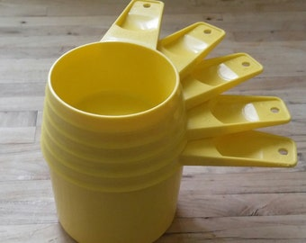 Vintage Tupperware Measuring Cups, Yellow,  Set of 5