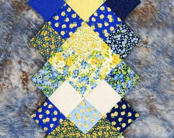Spring Summer Breeze Table Runner - Jagged Edge - Machine Pieced and Quilted