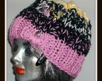 HAT WOMENS KNITTED   Hand knit  Chunky Woman Gift Mom Teens Warm Accessory  Winter Colorful