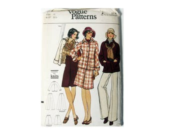 Vogue 8702 Size 10 Misses Jacket Skirt and Pants, Suitable For Knits, Loose fitting jacket, A-line Skirt, Wide Leg Pants Uncut Factory Folds