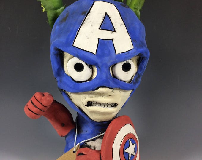 Captain America // USA // Succulent Pot // Planter // Gifts for Him // Marvel Comics // Super heroes // Red White and Blue // Patriots //