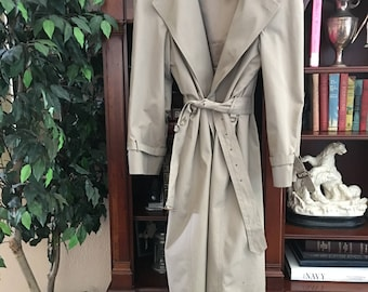 Brooks Brothers 1980's/1990's Men's Trench Coat. Wool Lining.