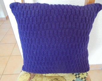 Cushion 40 x 40 cm purple square, hand knitted
