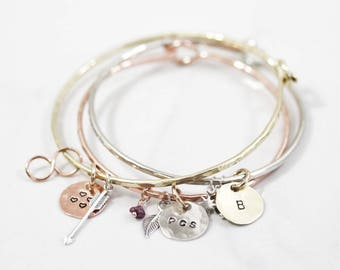 Personalized Gift / Charm Bracelet / Personalized Gift / Graduation Gifts / Delicate Bracelet / Custom Bangle / Charm Latch