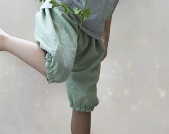 Shorts, Linen, Coton, Bloomers, Reversible, Toddler, Baby shower gift idea, Diaper cover, Baby chic, Ring bearer, Green Grey, Custom, Unisex