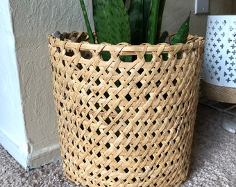 WIcker planter basket