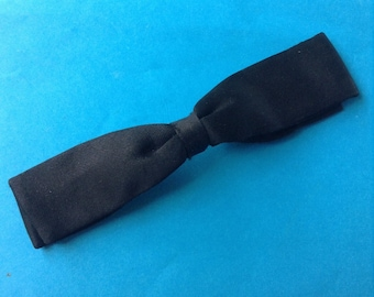 French 1930s Vintage Men Clip Pre-Tied Narrow Bow Tie - Black Silk - Dated 1939 - MADE IN FRANCE - New