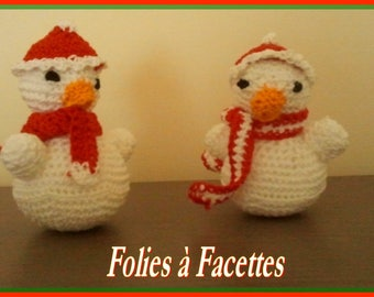 Christmas figurine: 2 little snowmen red and white crochet cotton