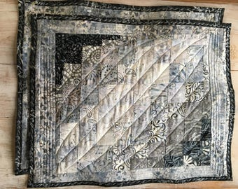 Pair of batik placemats bargello quilted  100% cotton batik, cotton poly batting, machine quilted patchwork quilt quilted table topper
