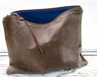 The Traveler Clutch // waxed canvas pouch // COCOA