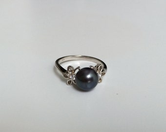 Thin black pearl flower ring size 6.5 - Natural Freshwater Flower silver ring - gift for her- unique promise ring-  Gift under 50
