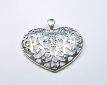 BR983 - 1 large heart charm in silver