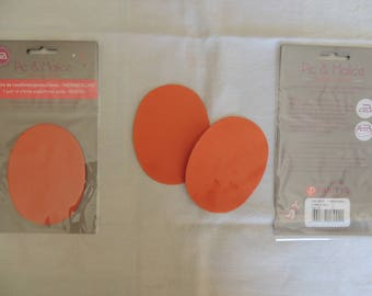 1 pair of elbow/knee pads on Orange clothing