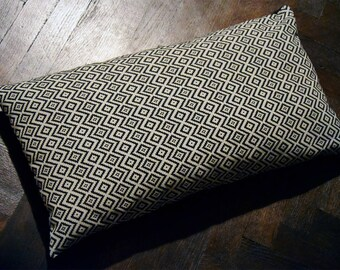 Cushion Cover: Black and White Pattern. Pillow Cover. Cotton. Zigzag