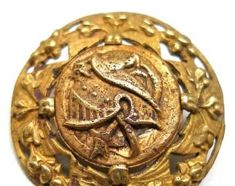 """Antique Victorian BUTTON, Roman helmet & weapon. 1""""."""