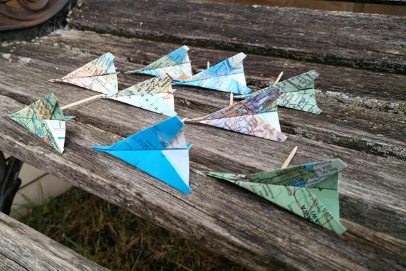 Paper Airplane Cupcake Toppers, Vintage Maps. Escort Cards, Wedding Decoration, Party, Birthday, Travel Wedding. Globe