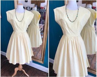 """W27"""" 1950s Yellow Cotton Dress Full Skirt Small XS"""