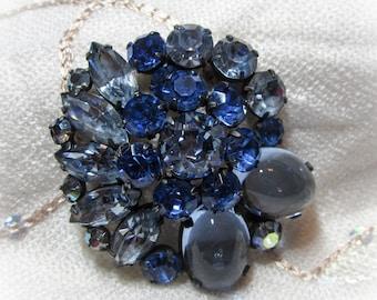 Vintage Jewelry - Rhinestone Brooch Pin - Unsigned Regency? - Blue Rhinestones