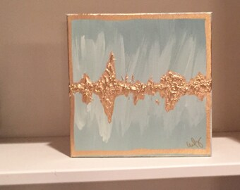 Abstract Chic Gold Leaf Heartbeat