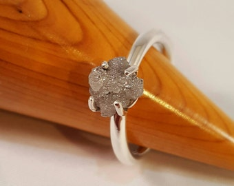 Stunning Sterling Silver Ring with Silver Grey 1ct to 1.75 ct Raw Uncut Diamond.