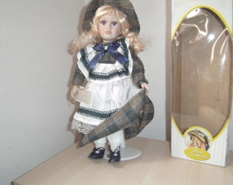 "Reduced..Pretty COLLECTABLE Porcelain Doll. ""Tresors D'antan"" with Certificate of Authenticity. LIMITED EDITION."